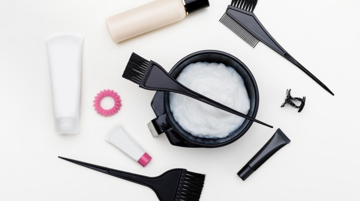 tools-for-hair-dye-picture-id1010859468-1